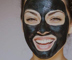 ۳ ماسک لایه بردار خانگی برای شفاف شدن پوست صورت